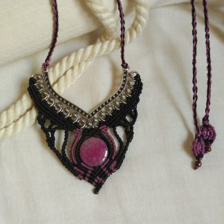 one-of-a-kind pink agate macrame necklace