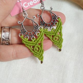 green pistachio macrame earrings. Celtic jewelry. Boho earrings. Bohochick. Artisan jewelry. Handmade with joy