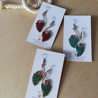 Pendientes de macramé hechos a mano en diseño de cobre espiral. Bohochick. Joyería celta. Joyería Boho