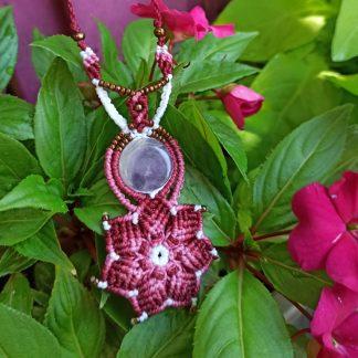 collar de macramé artesanal de amatista. collar hecho a mano. Collar de piedras preciosas. Bohemio. Collar Boho. joyas espirituales. Collar de amatista.