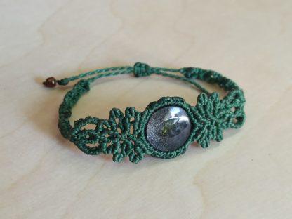 Obsidian Green Macrame Bracelet. Obsidian bracelet. macrame bracelet. Handmade. One-of-a-kind bracelet. Green bracelet. Artisan jewelry. Boho. Bohemian jewelry