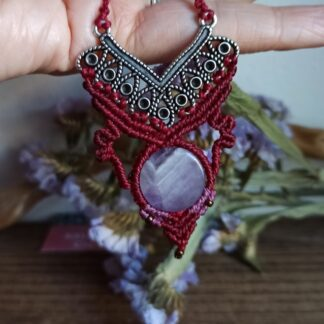 unique amethyst macrame necklace. Handmade. Amethyst necklace. Artisan. Boho and elegant.