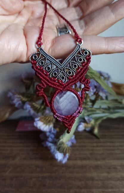 unique amethyst macrame necklace. Handmade. Amethyst necklace. Artisan. Boho and elegant.