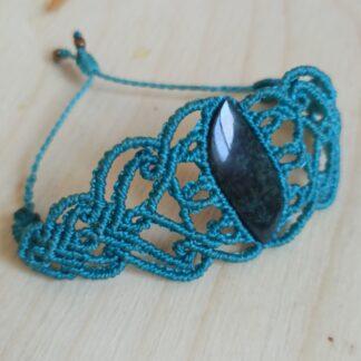 Obsidian Big Macrame Bracelet. Obsidian bracelet. macrame bracelet. Handmade. One-of-a-kind bracelet. Blue bracelet. Artisan jewelry. Boho. Bohemian jewelry