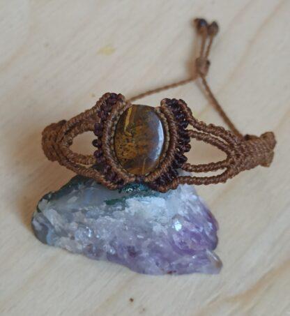 TIGER EYE Macrame Bracelet in BROWN color. Tiger eye bracelet. Macrame bracelet. Handmade. Artisan bracelet. Unique. Brown bracelet